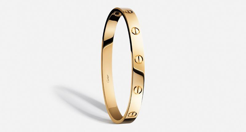 Ничто не отвлекает от бестселлеров и самых знаковых дизайнов Cartier в новой маркетинговой кампании. Браслет Love, впервые представленный в 1969 году, сейчас более популярен, чем когда-либо
