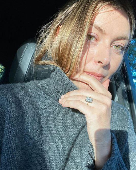 Шарапова продемонстрировала 1 января в Instagram свое обручальное кольцо
