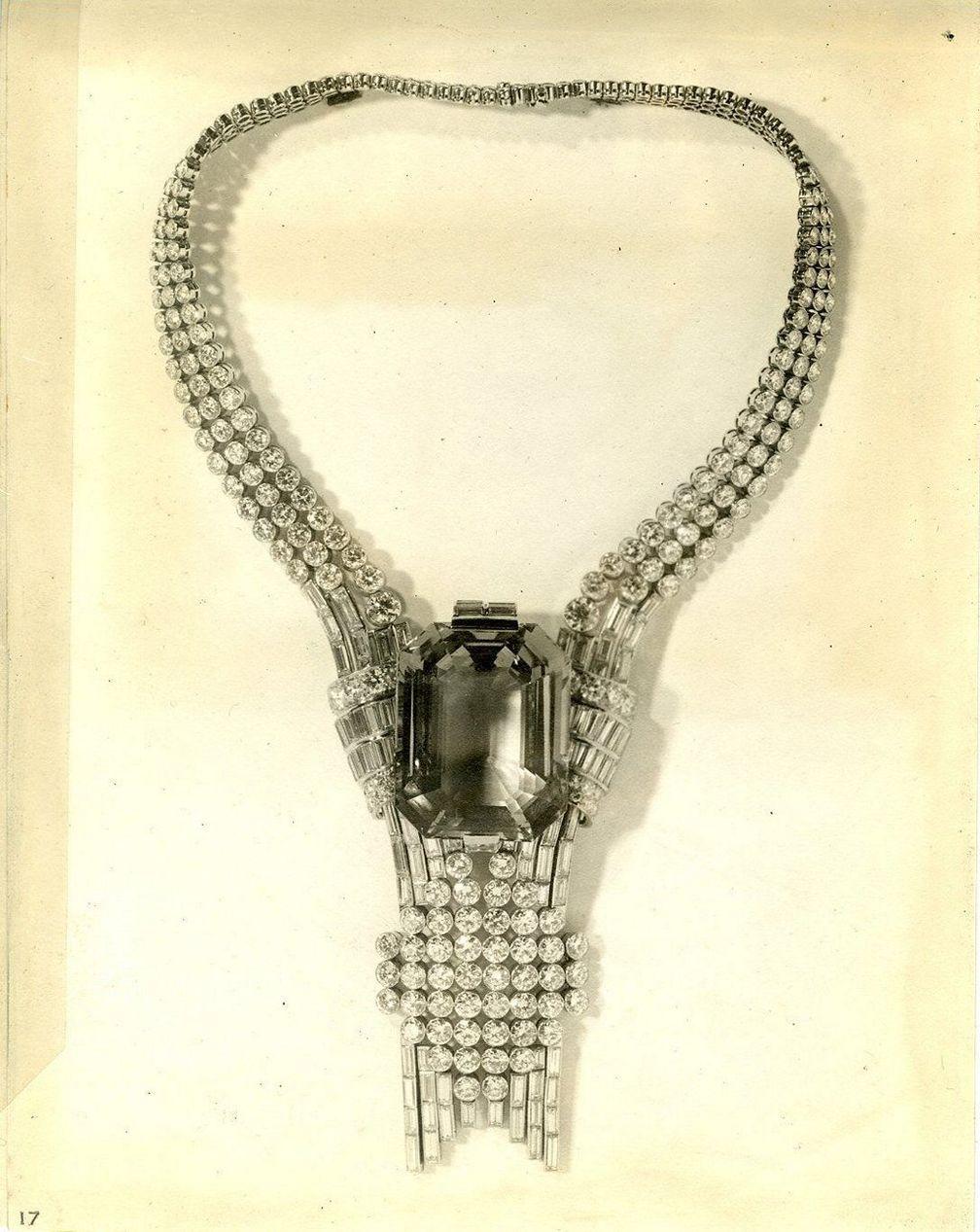 Колье с аквамарином и бриллиантами с Всемирной выставки 1939 года