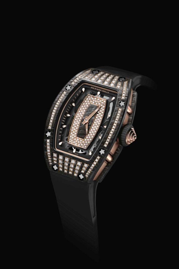 Часы RM 07-01 инкрустированы бриллиантами
