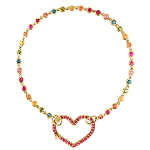 Браслет в форме сердца из желтого золота с радужными сапфирами, рубинами и бриллиантами