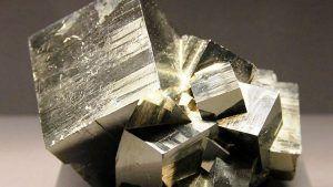 Пирит: свойства и применение камня в ювелирном деле