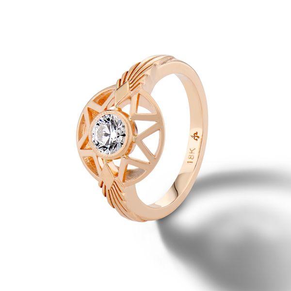 Обручальное кольцо Naledi от Мишель Фантачи из розового золота с блестящим бриллиантом и звездными мотивами