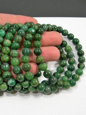бусы с зеленым камнем