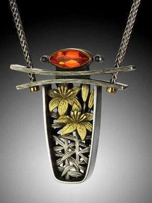 Ожерелье в авангардном стиле