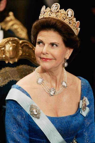 Тиара месяца: парюра с камеями, принадлежащая шведской королевской семье
