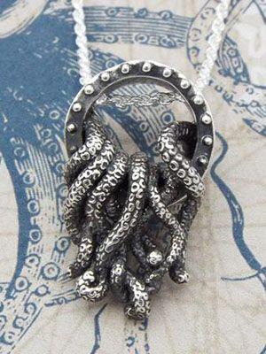 подвеска из оксидированного серебра Кракен