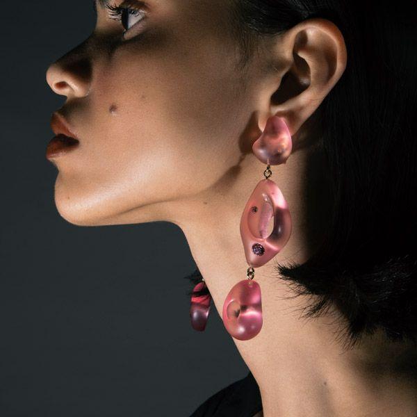 Серьги United Pink из смолы и кристаллов