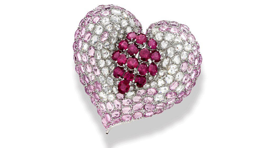 Кольцо от Lorraine Schwartz с рубинами, розовыми сапфирами и бриллиантами