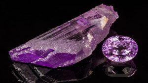 Уникальный кунцит: свойства и применение камня