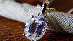 Фенакит: свойства камня и применение в ювелирном деле