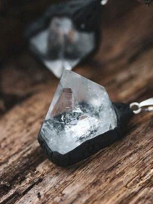 Aпoфиллит (Kcилoхлop): удивительный камень и его применение