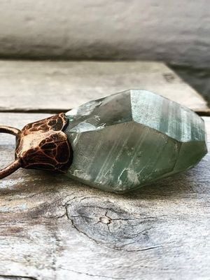 подвеска с камнем