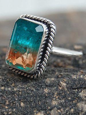кольцо с корнерупином