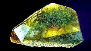 Титанит (сфен): свойства и применение камня в ювелирном деле