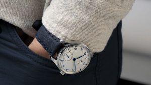 IWC сочетает свои роскошные часы с бумажным ремешком