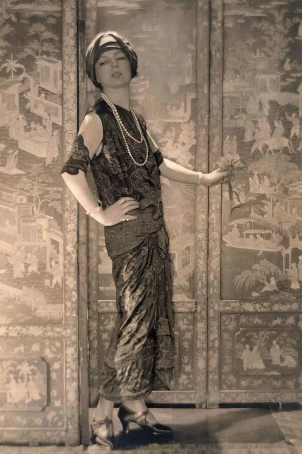 Жанна Туссен в 1920 году