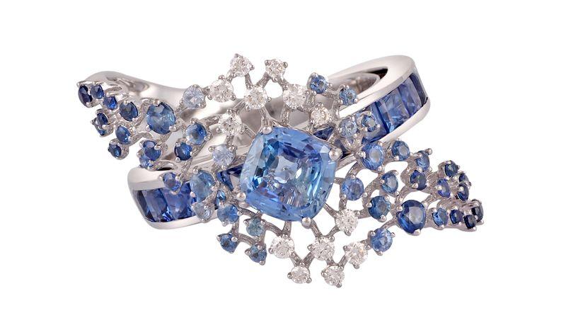 Кольцо из белого золота 750 пробы с белыми бриллиантами