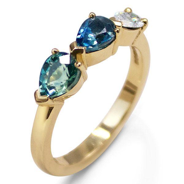 Уникальное кольцо из переработанного желтого золота с необработанными сапфирами Montana общим весом 1,45 карата и бриллиантом грушевидной формы 0,2 карата