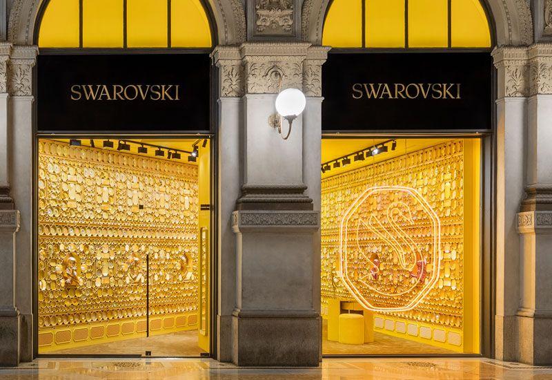 Интерьер новых магазинов бренда Swarovski