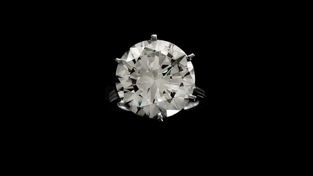 Кольцо с бриллиантом бриллиантовой огранки весом 15,37 карата