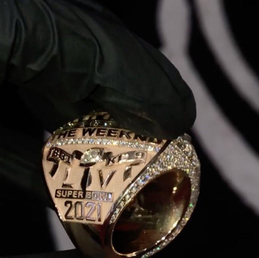 Боковая гравировка кольца Super Bowl LV