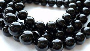 Черный агат: свойства камня, кому он подходит