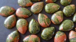 Унакит: за что ювелиры любят этот камень