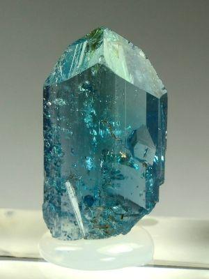 Эвклаз: свойства и применение редкого камня