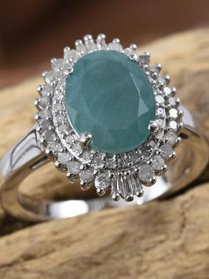 массивное кольцо с камнем
