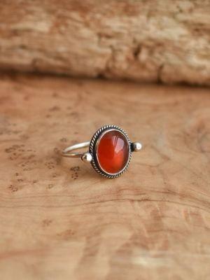 кольцо с красным агатом