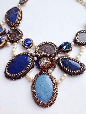 ожерелье с камнями