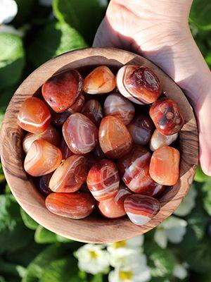 Красный агат: особенности и использование камня