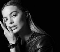 Марго Робби – новое лицо часов Chanel J12