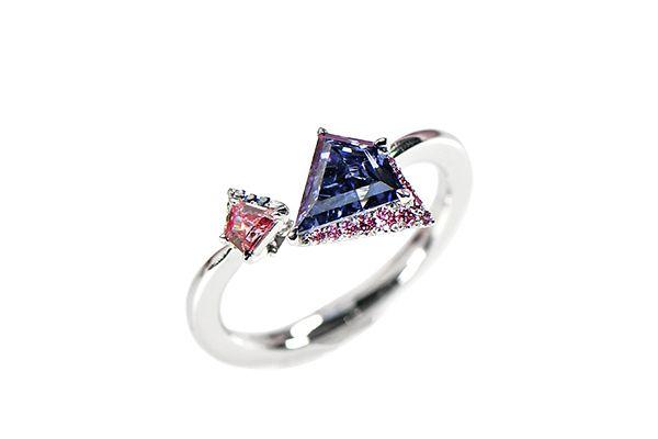 Кольцо Argyle Imperial Star Violet из платины с фантазийным бриллиантом огранки щит и фантазийным бриллиантом Аргайл