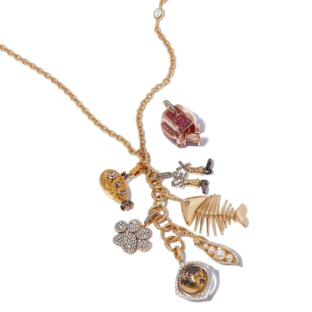 Браслет My Life In Seven Charms из желтого, розового и белого золота с жемчугом, цаворитами, рубинами, сапфирами и бриллиантами от Annoushka