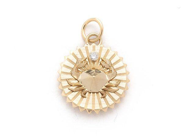 Медальон Baby Cancer из желтого золота 18 карат с бриллиантом