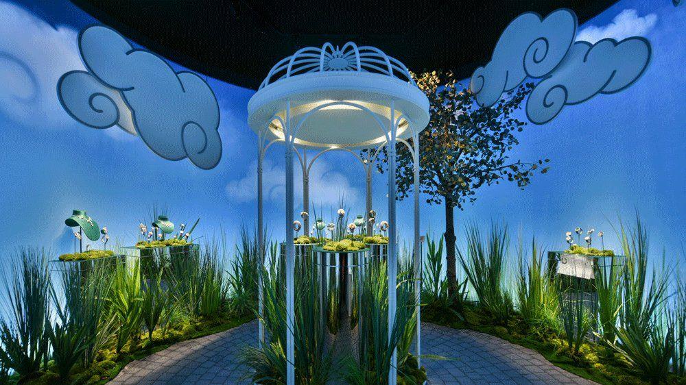 Инсталляция Van Cleef & Arpels в South Coast Plaza