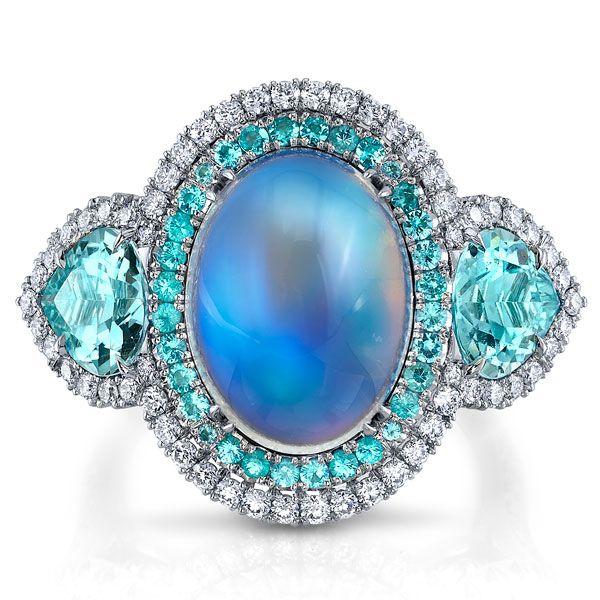 Кольцо для помолвки от Omi Privé из платины с голубым лунным камнем, турмалином типа параиба, турмалином параиба и бриллиантами