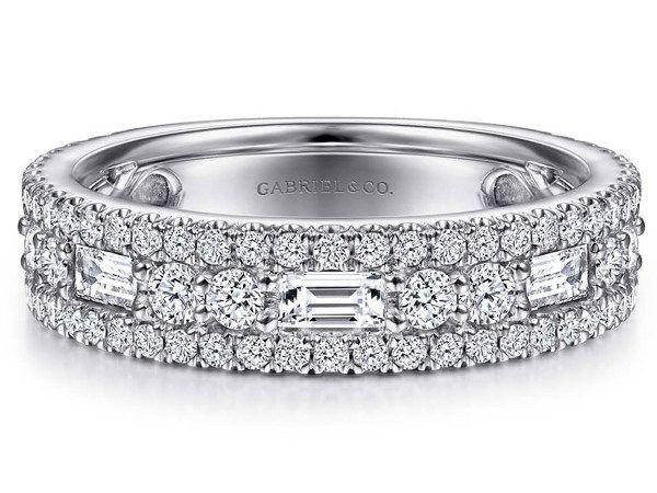 Обручальное кольцо от Gabriel & Co. из белого золота с бриллиантами
