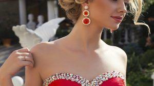 Какие украшения идеально подойдут к красному платью?