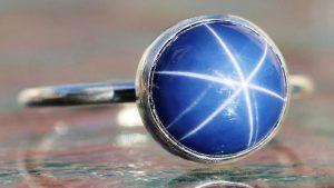 Звездчатый сапфир: свойства и применение необычного камня