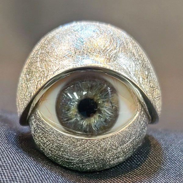 Кольцо для протеза глаза от Steven Paul Designs из стерлингового серебра