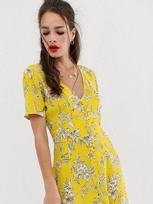 Какие украшения идеально подойдут к желтому платью