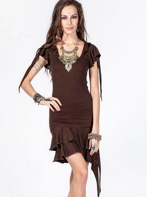 Какие украшения идеально подойдут к коричневому платью?
