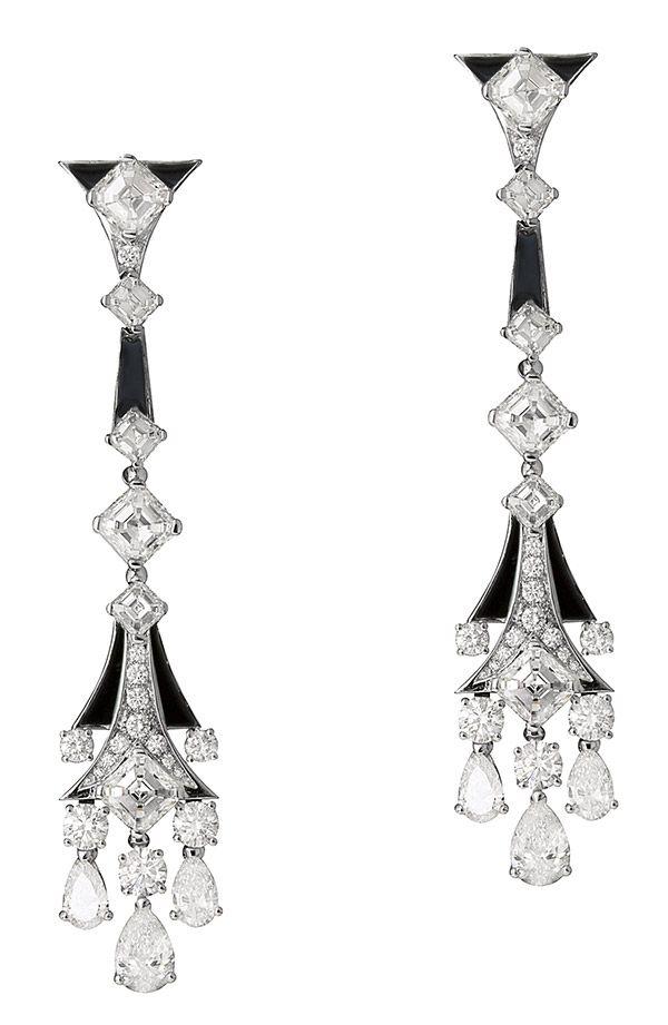 Серьги High Jewelry от Bulgari из белого золота со вставками из оникса и бриллиантами