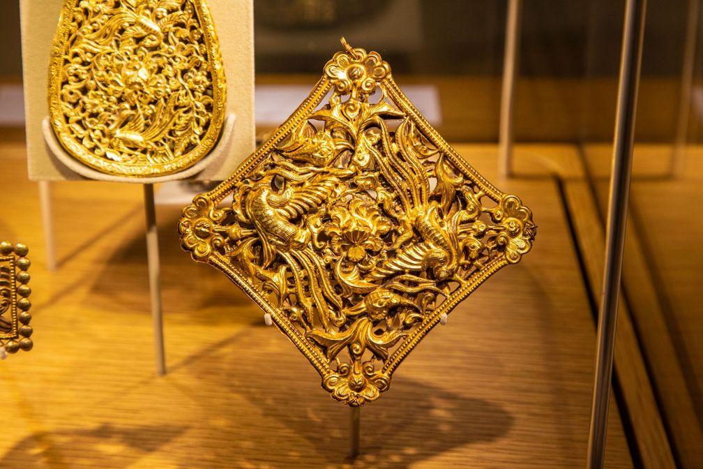 """О выставке L'ÉCOLE """"Искусство золота, 3000 лет китайским сокровищам"""""""