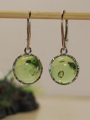 зеленый янтарь в ювелирном деле