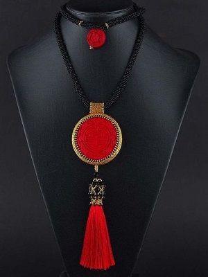 ожерелье в красном цвете