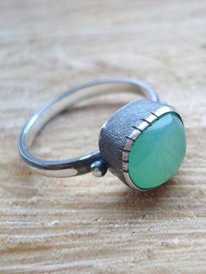 Хризопал: свойства и применение камня в ювелирном деле